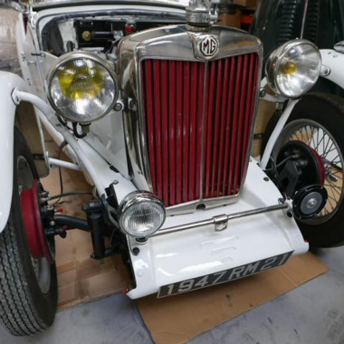 http://collection-voitures.com/3318-thickbox/mg-tc-roadster.jpg