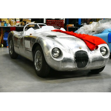 http://collection-voitures.com/4272-thickbox/jaguar-type-c-lightweight.jpg